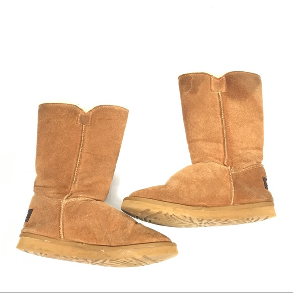 7ba780082d2 Ugg Sheepskin Lined Suede Boots Tan Size 10 40